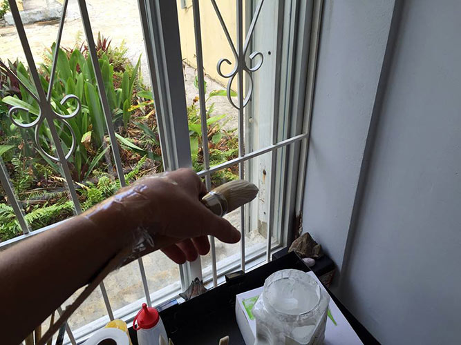 Kharis-Kennedy-dengue-fever-arm-brace